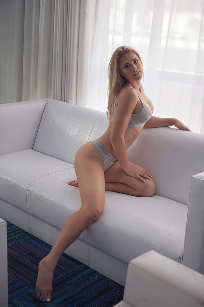 GiselleCollins-ISEESEXY_NW_WEB_22